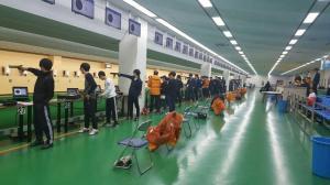 10m 사격장 선수들 훈련 모습 이미지